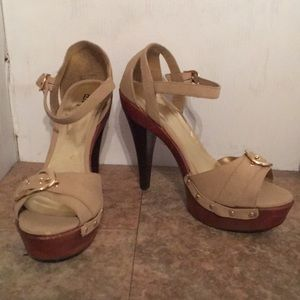 Bakers vintage look wood heels sz 9